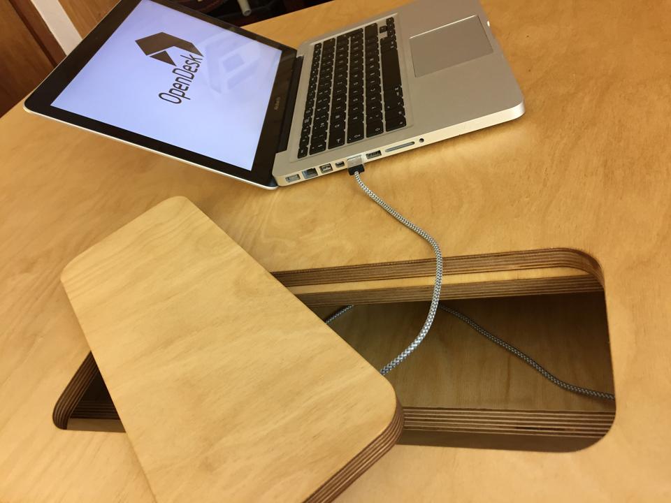 Open Desk Cc Glossy White Desk
